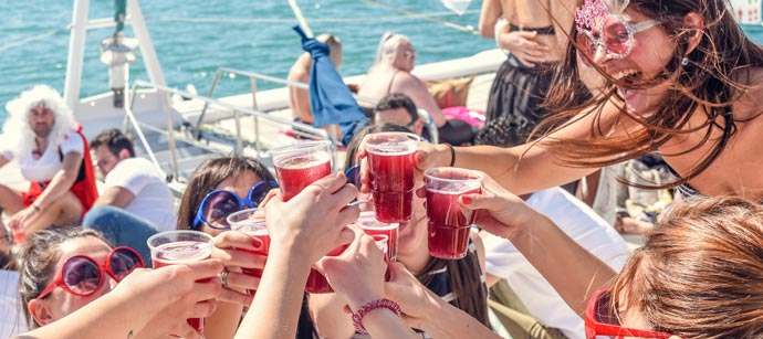 fiesta barco benalmadena