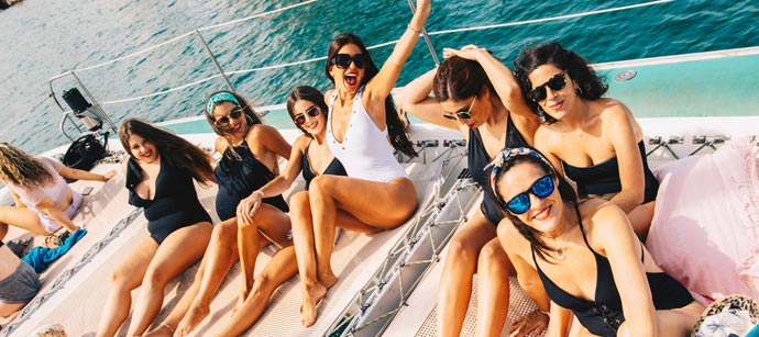 redes balinesas boat party